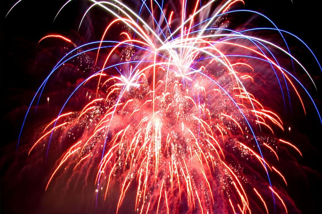 back-photo_fireworks