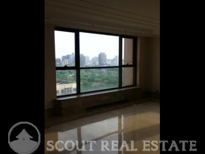4 Bd in World City Apartment