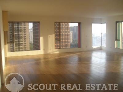3 Bd in Grand Moma