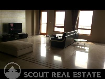 3 Bd in Peking House Apartment