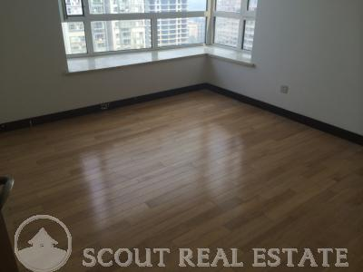 3 Bd in Palace Apartment