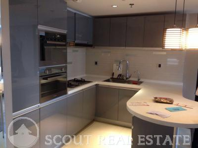 2 Bd in East Avenue apartment