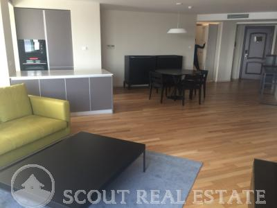 2 Bd in East Gate Plaza