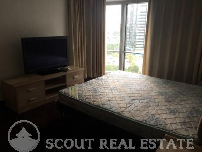 2 Bd in Fortune Plaza