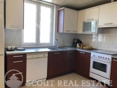 3 Bd in East Gate Plaza